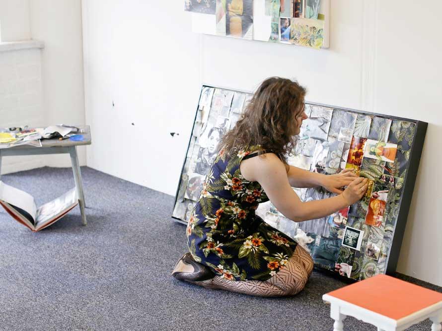 Portret of Johanna de Schipper in her studio by Justina Nekrasaite